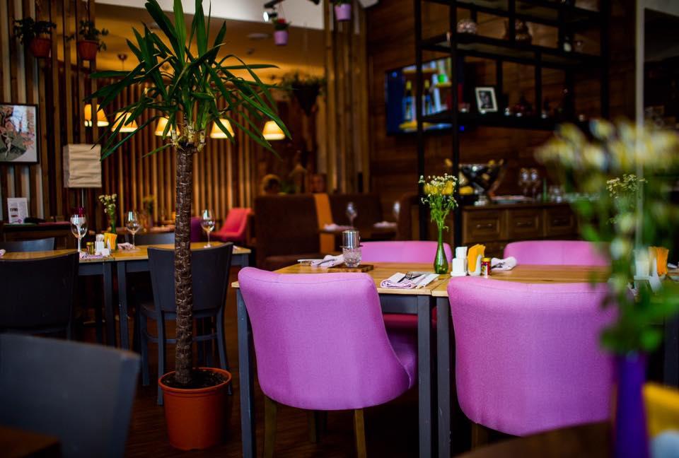 Интерьер ресторана Corner Cafe & Kitchen