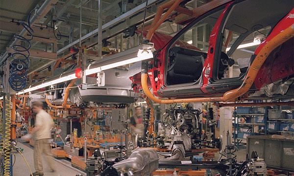 Renault и PSA Peugeot Citroen сокращают объемы производства