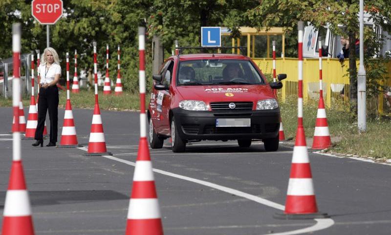 В Грузии экзамен на вождение будет принимать компьютер