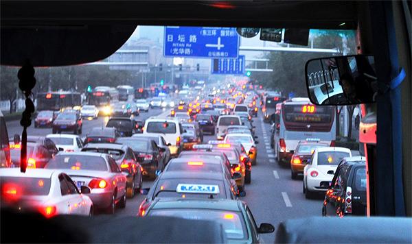 В Китае придумали новый способ сократить количество машин на дорогах