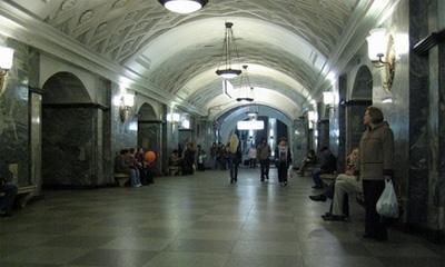 Станция метро Курская изменила режим работы
