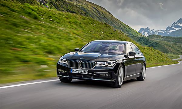 BMW повышает цены на модельный ряд в России