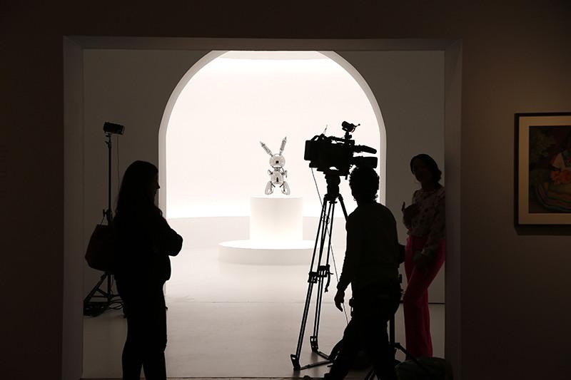Скульптура «Кролик» Джеффа Кунса