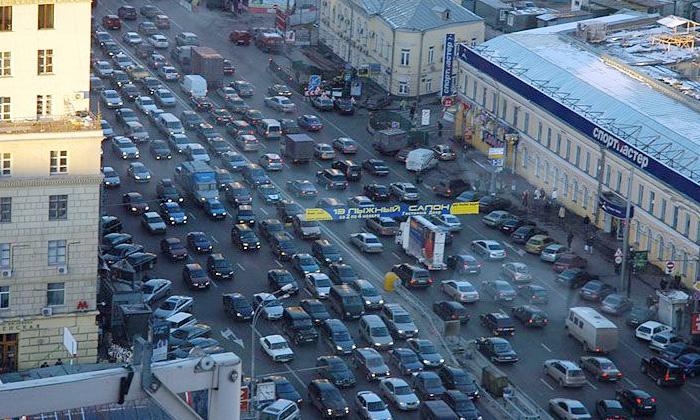 Из Москвы выведут транзитный транспорт