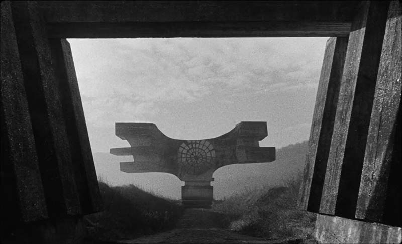 Кадр из фильма «Последние и первые люди»