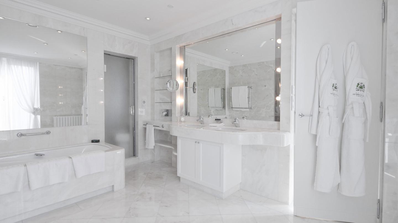Ванная комната номера «Prestige» отеля Le Bristol Paris