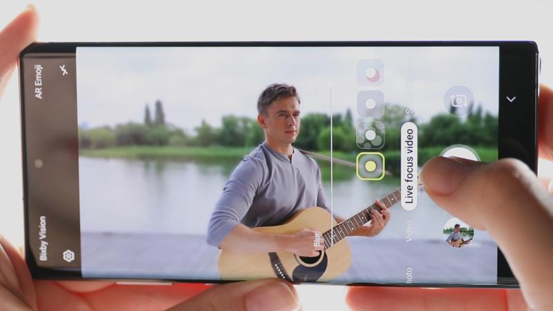 Функция фокусировки во время съемки Live Focus Video