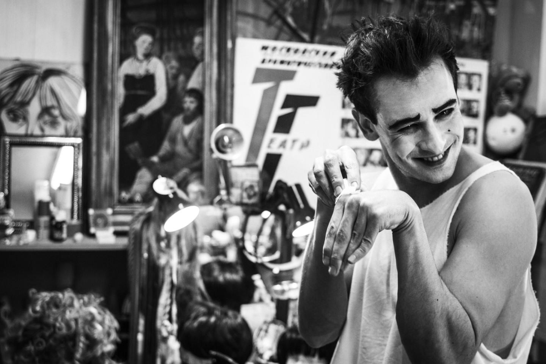 Риналь Мухаметов в роли Арлекина из одноименного спектакля Тома Жолли