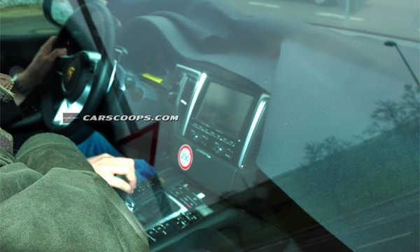 Салон Porsche Macan оказался копией интерьера Cayenne