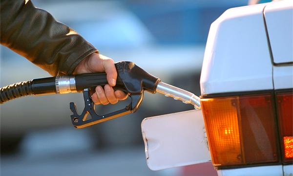 К концу года бензин подорожает до 40 рублей