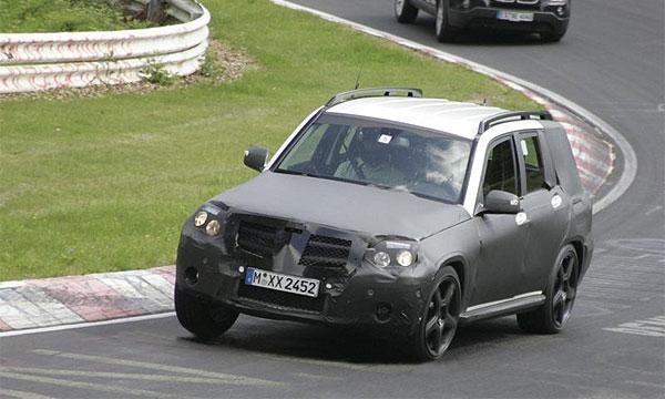 Новый Mercedes-Benz GLK показался на трассе