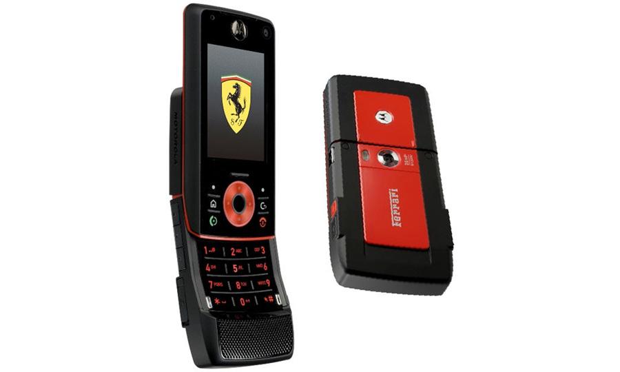Motorola сделала мобильный телефон для фанатов Ferrari