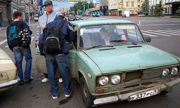 Бомбилы вернулись на московские улицы