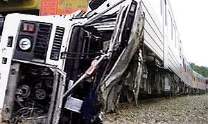 В Краснодарском крае элекричка врезалась в автобус
