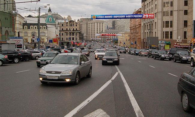 Дорожные знаки на асфальте хотят увеличить