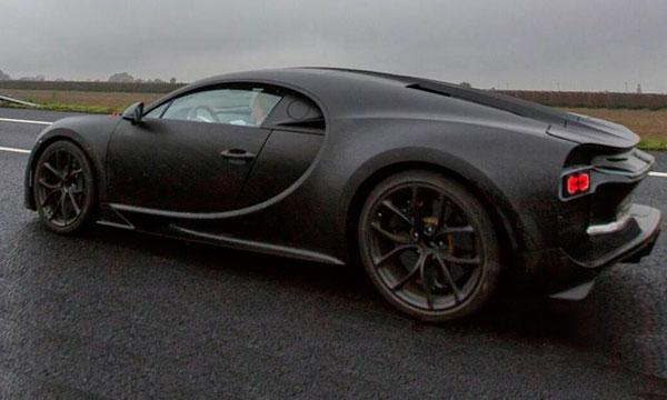 Новый спорткар Bugatti Chiron замечен без камуфляжа
