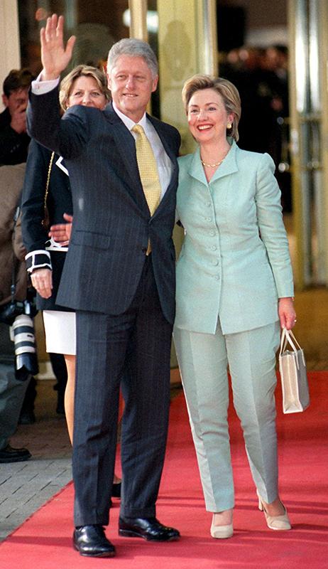 Президент США Билл Клинтон иХиллари Клинтон, первая леди США в1993–2001 годах