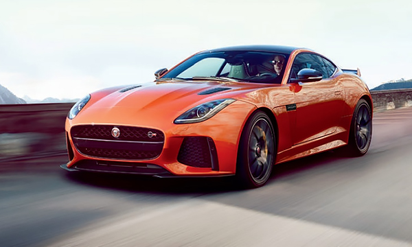 Jaguar F-Type SVR рассекретили до премьеры
