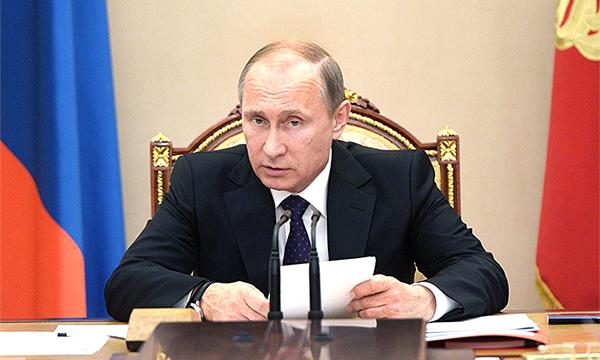 Владимир Путин поручил правительству снизить смертность в ДТП