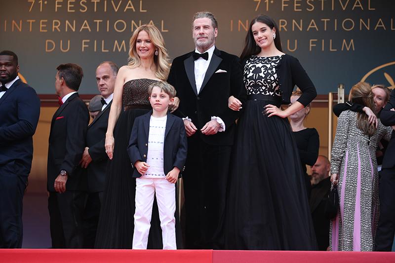 Джон Траволта с семьей на премьере фильма «Кодекс Готти»