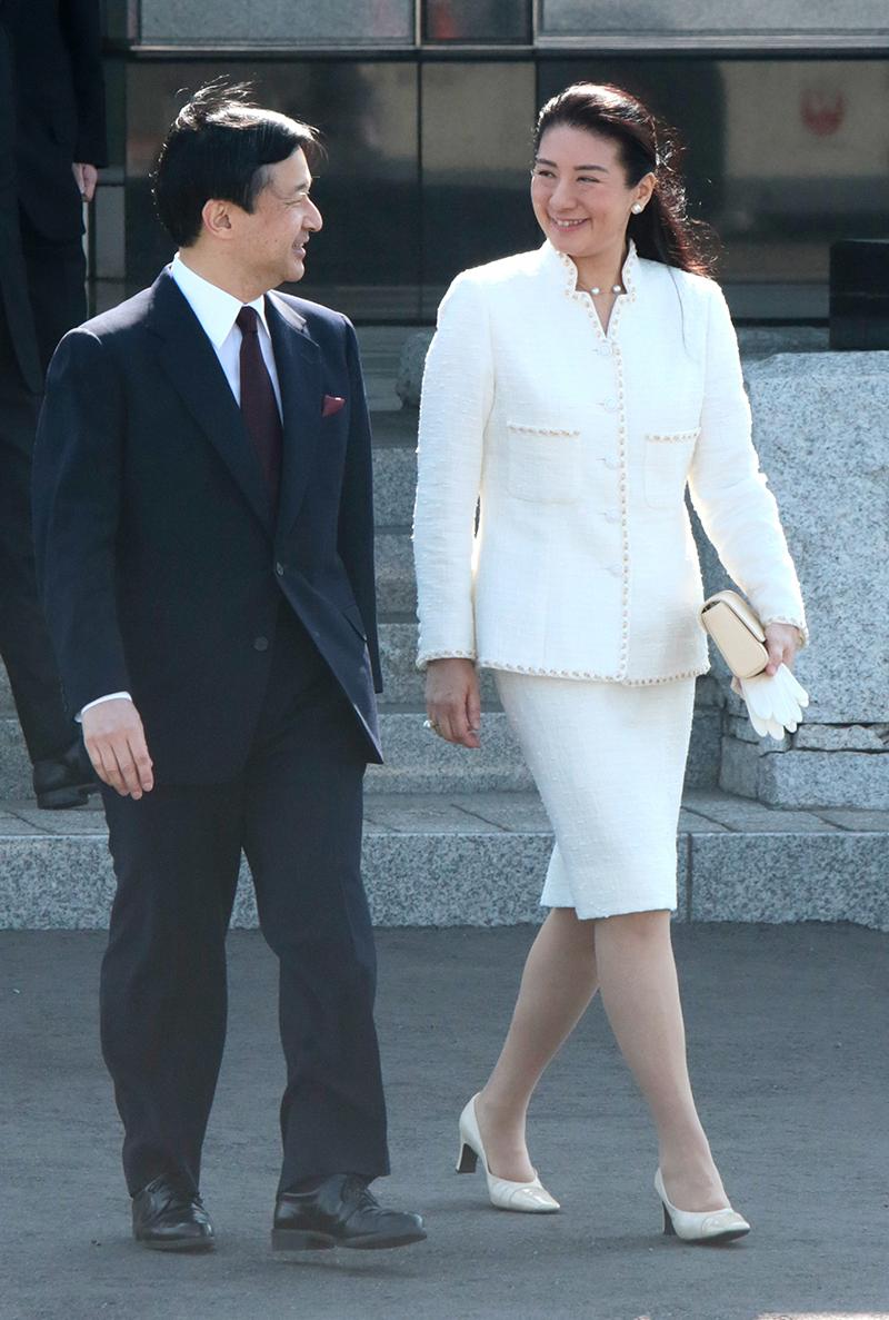 Императрица Масако в костюме Chanel
