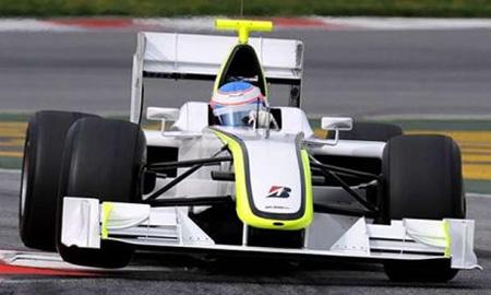 Brawn GP рассчитывает еще улучшить результаты