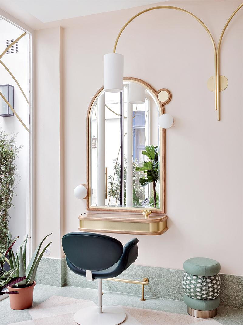 Салон красоты Delphine Courteille, Париж