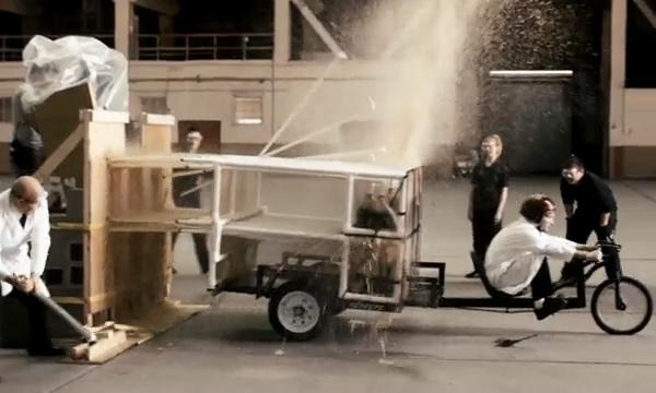 Реактивный велосипед, работающий на Кока-Коле и Ментос