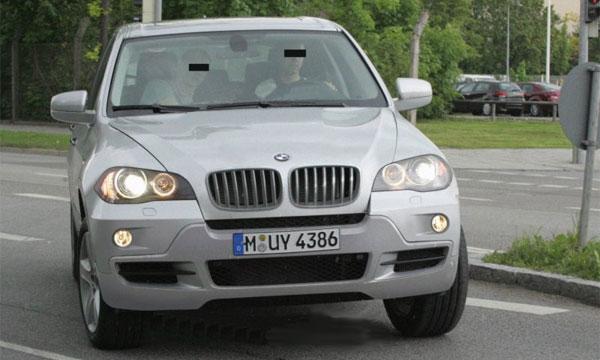 Новое поколение популярного внедорожника BMW X5
