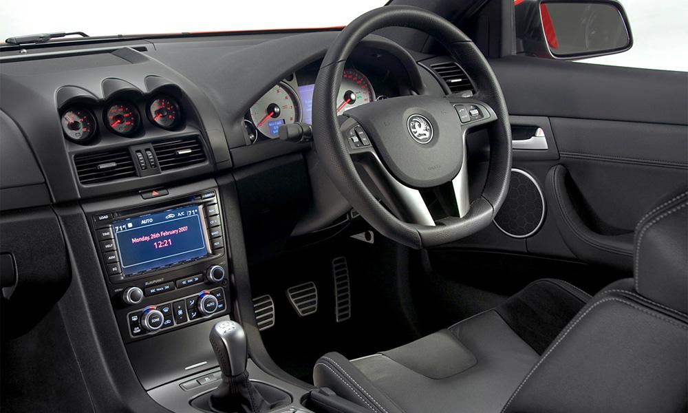 Таможенный союз не предполагает запрета на ввоз праворульных авто в РФ