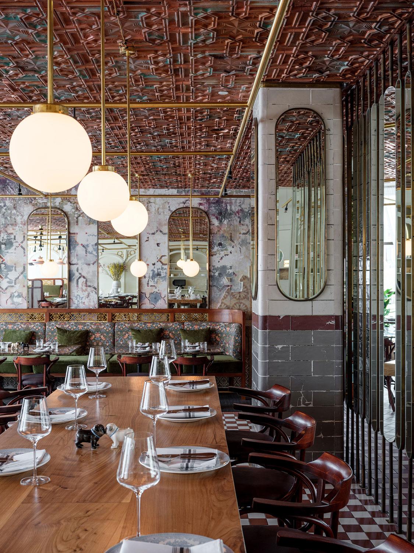 Интерьер ресторана BURO TSUM