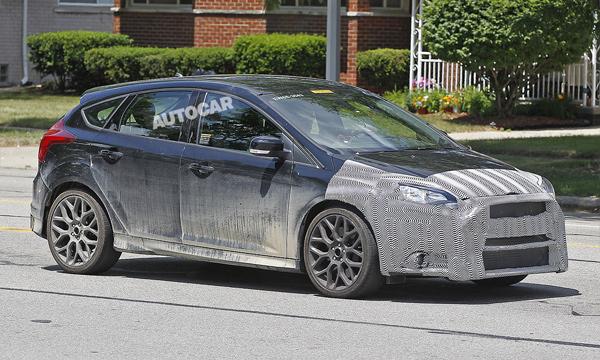 «Заряженный» Ford Focus RS представят в 2016 году