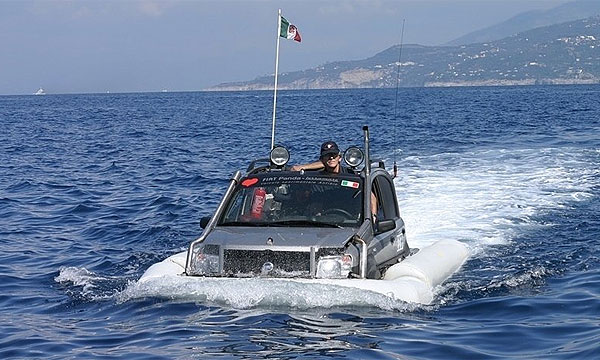 Fiat Panda переплыла Ла-Манш