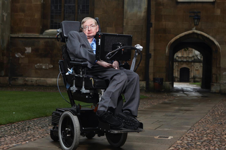 Физик и космолог Стивен Хокинг страдал БАС с 60-х годов