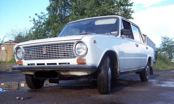 Четверть автомобилей в России старше 20 лет