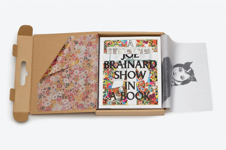 Книга с работами Джо Брейнарда от Loewe