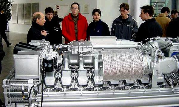 MTU производит дизельные двигатели для кораблей, танкеров и других тяжелых транспортных средств