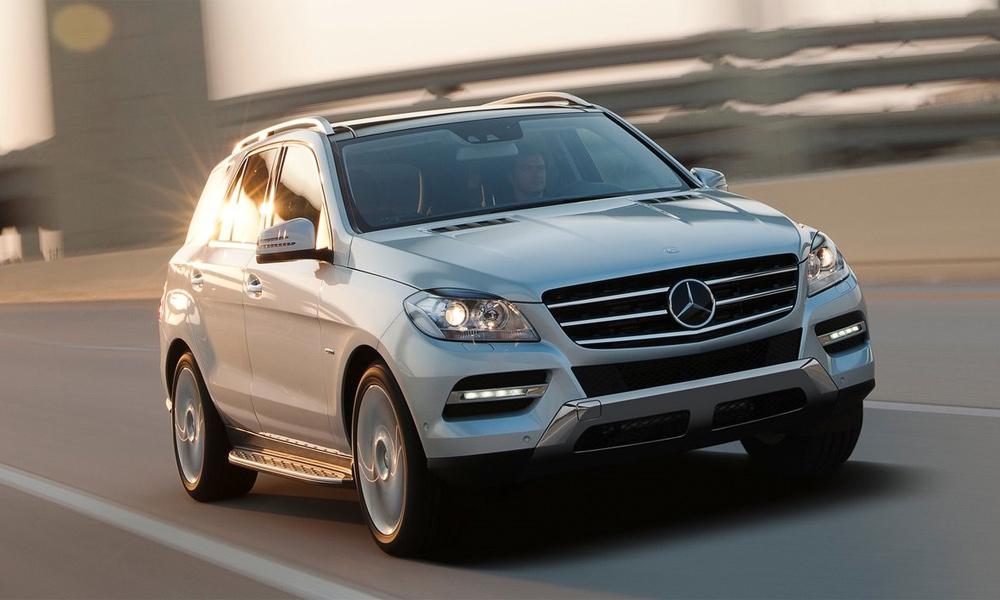 Mercedes-Benz поднимает цены на автомобили в России