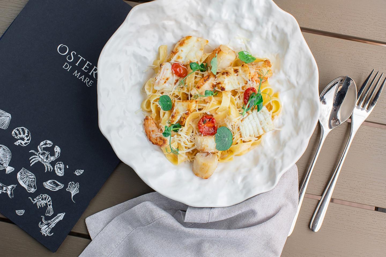 Тальятелле с морепродуктами и соусом омардин