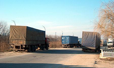 С февраля транзитные грузовики не пустят на МКАД