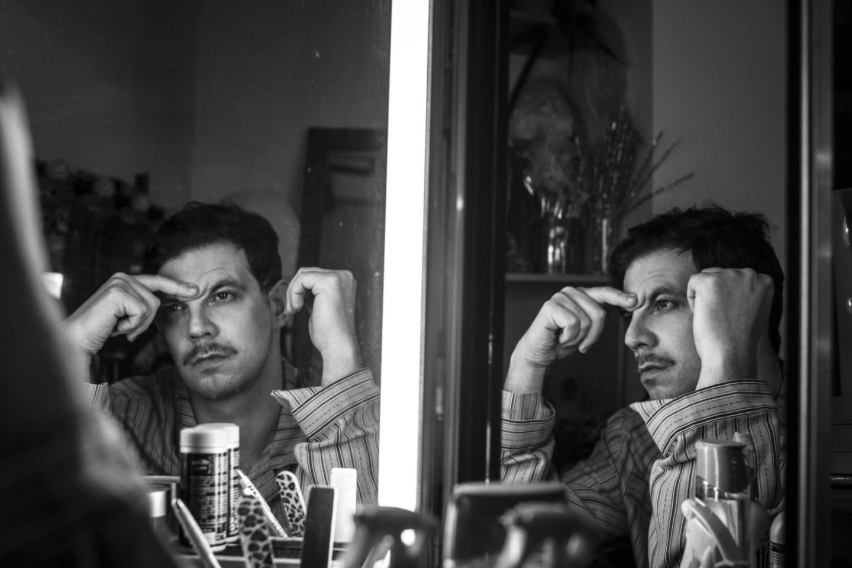 Семен Штейнберг в роли Гусева из спектакля Сергея Виноградова «Девять»