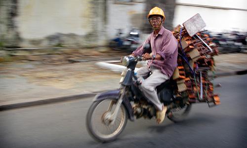 На Украине введена регистрация мопедов и скутеров
