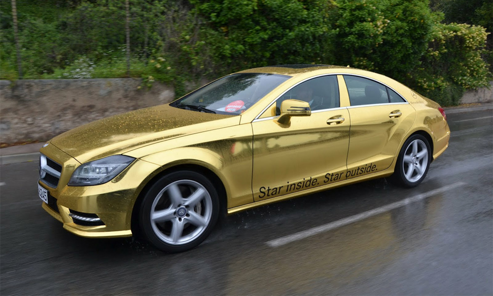 Mercedes-Benz AMG привез в Канны лимузины золотого цвета