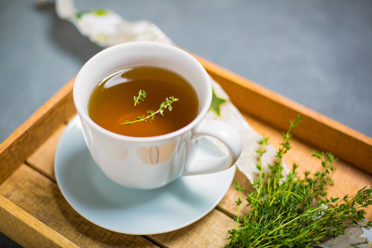 Лучше заваривать чай из свежего сбора трав. В прошлогоднем полезных веществ значительно меньше