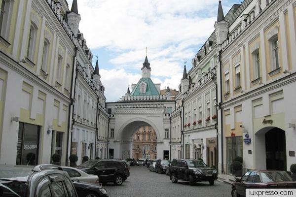Третьяковский проезд в Москве открыли для автомобилей