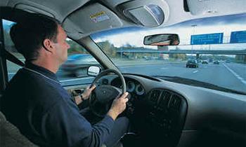 Водитель, не сдавший вовремя удостоверение, продлевает срок лишения его прав