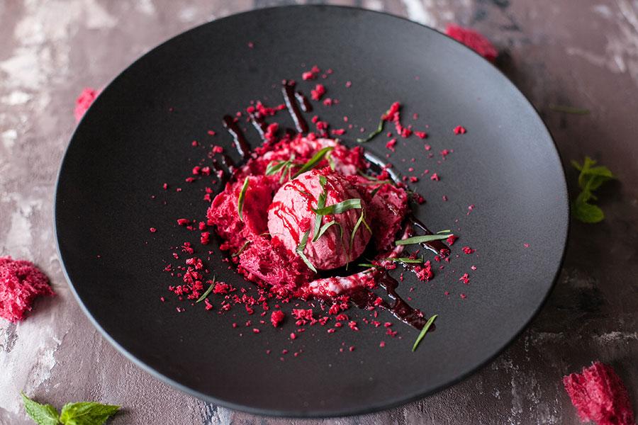 Малиновыймусс с ягодным сыром