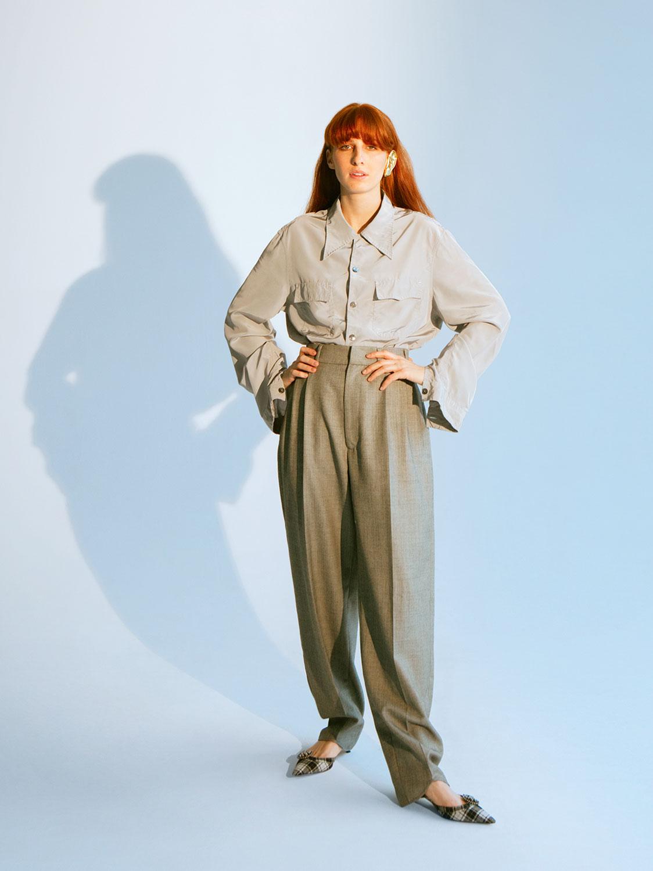 Мужская рубашка и брюки — все Gucci; туфли Christian Dior