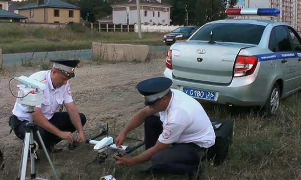 За нарушениями ПДД в России начали следить квадрокоптеры