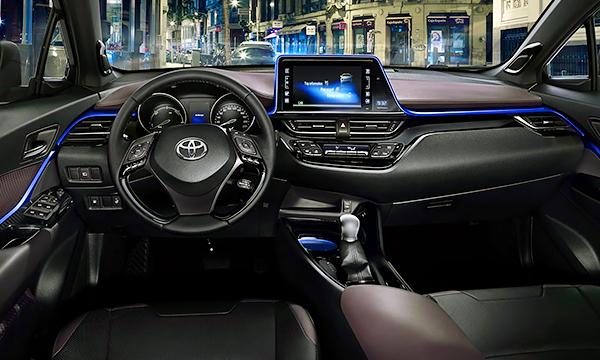 Toyota рассекретила салон серийной версии C-HR